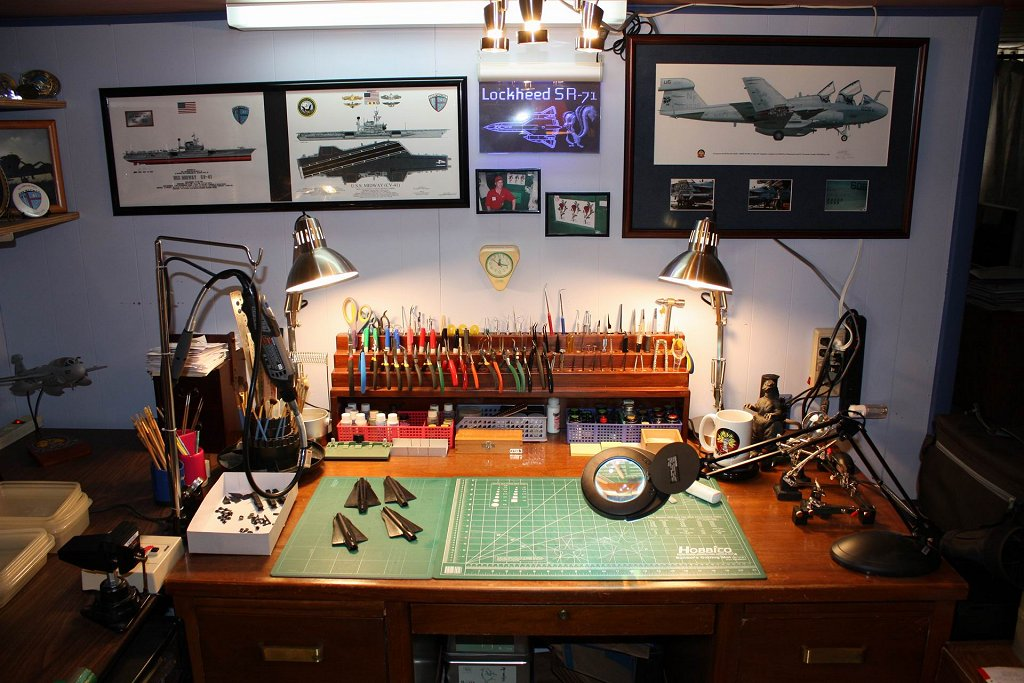 1000 images about workbench dream tools work spaces on pinterest workbenches rotary tool and - Desks small space model ...